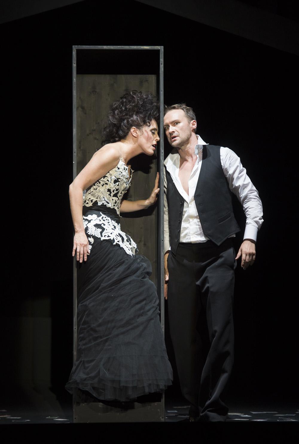 Tales of Hoffmann opens at Komische Oper Berlin
